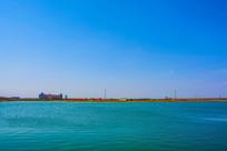航母公园大海与对岸建筑蓝天