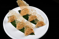黑色背景高清锅贴饺子