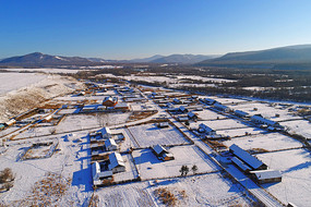 航拍东北雪村