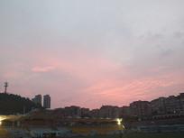 粉红色的天空