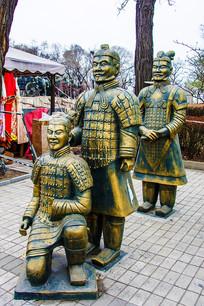 秦始皇兵马俑三俑铜雕蹲立像