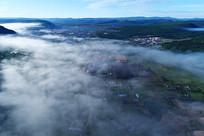 森林小镇云雾