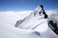 四姑娘山的云海和蓝天