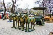 战国时期四驾华盖马车铜雕