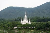 白色佛教建筑