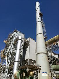 蓝天下工厂环保设备除尘器烟囱