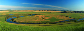 呼伦贝尔草原蓝色河流