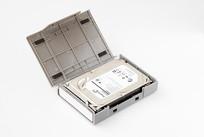 硬盘保护盒里的3.5英寸硬盘