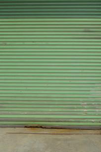 绿色卷帘门