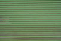绿色卷帘门背景图