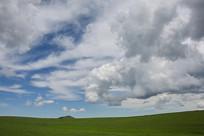 草原上奔马状云彩