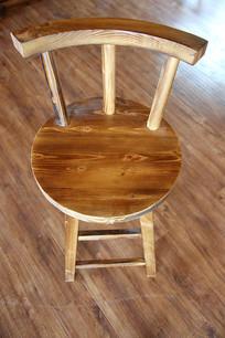 木制四脚椅