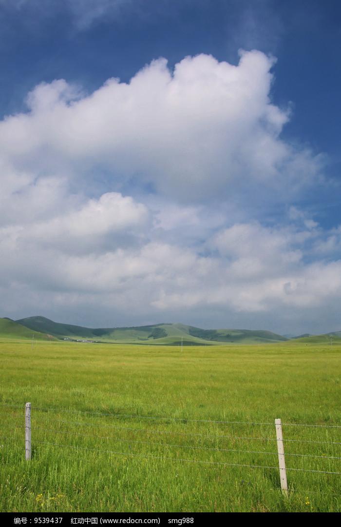 内蒙草原辽阔的牧场图片