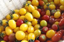 一篮小西红柿