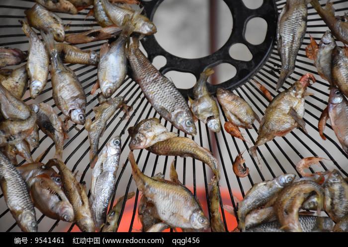 熏小鱼图片