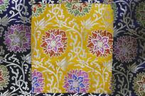 唐卡黄色花卉图案