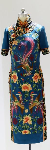蓝底印凤凰花卉纹短袖旗袍