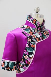 紫色旗袍的大襟