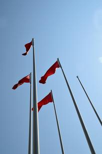 红旗高高飘扬