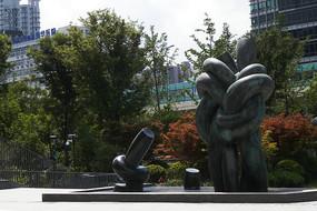 刘海粟美术馆主题雕塑