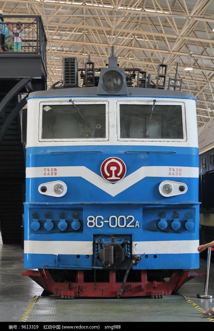 蓝色电气火车头图片