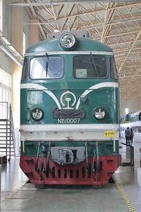 老式绿皮火车头