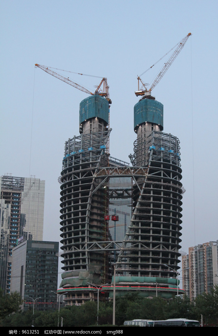 在建的丽泽SOHO大厦图片