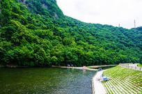 本溪关山湖下游河道与山体植被