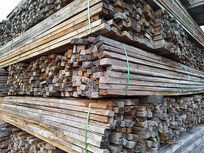 陈旧的木方