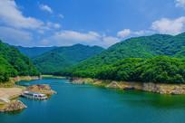 本溪关山湖水库与群山游艇
