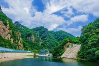 关山湖高空玻璃漂流与凉亭石桥