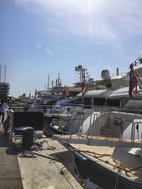 拍摄游艇码头