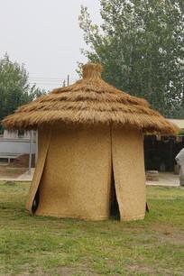 稻草做的农家仓库