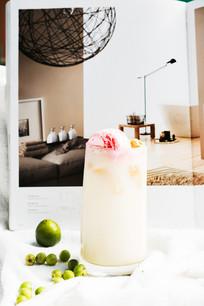 粉红雪梨汁