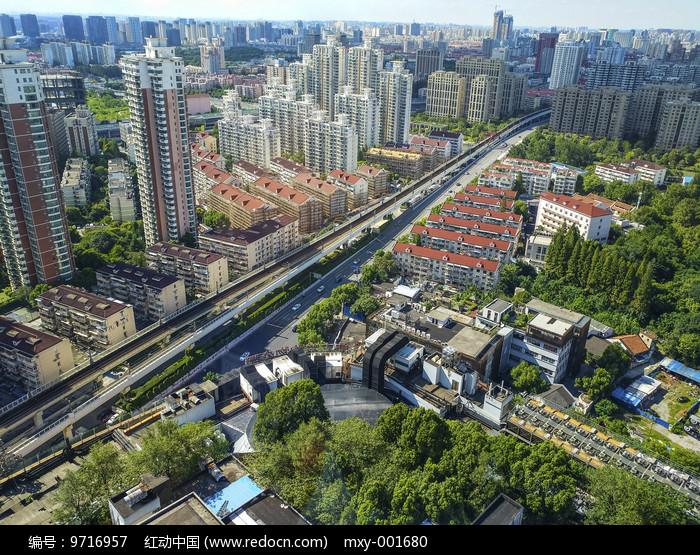 城市新老建筑图片