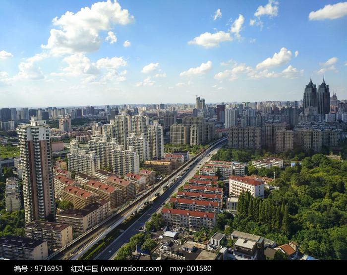绿色城市建筑图片
