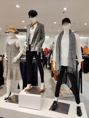 品牌女装模特展位室内设计