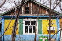 俄式木板木屋老宅雕花的门窗