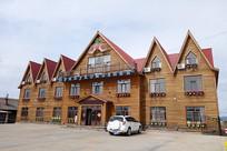 新建的俄式木刻楞木屋宾馆建筑