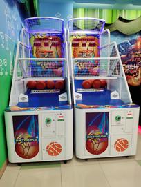 儿童游戏台投篮球