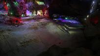五彩斑斓的灯光秀溶洞