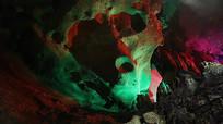 五彩壮观的溶洞内景