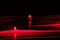 夜色的红帆布