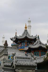 清真大寺青瓦砖雕飞檐屋顶