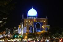 伊斯兰圆顶建筑夜景