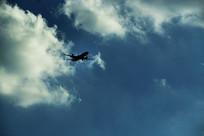 蓝天飞机云