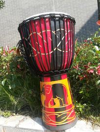 丽江的非洲手鼓乐器