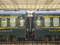硬卧绿皮火车