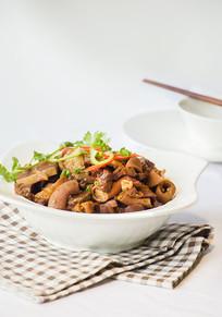 煮牛杂美食摄影图