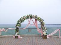 海边婚纱拱门摄影